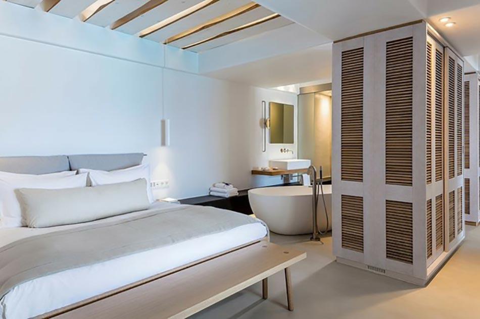R novation originale d h tel mykonos bill coo design feria for Paravent salle de bain