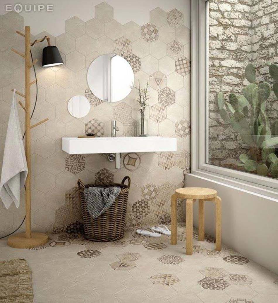 touche dco dans une salle de bain moderne laide de carrelage dpareill - Idee Carrelage Salle De Bain Moderne