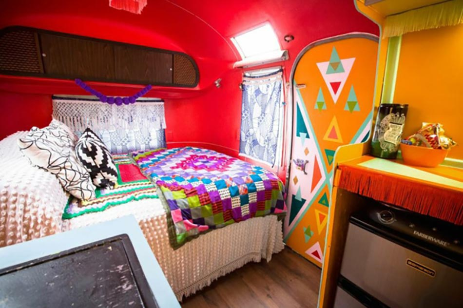 caravane am ricaine airstream la d co multicolore. Black Bedroom Furniture Sets. Home Design Ideas