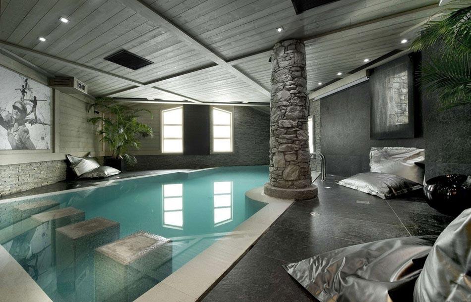 La piscine int rieure un r ve pour profiter de l eau tout au long de l ann - Piscine interieure design ...