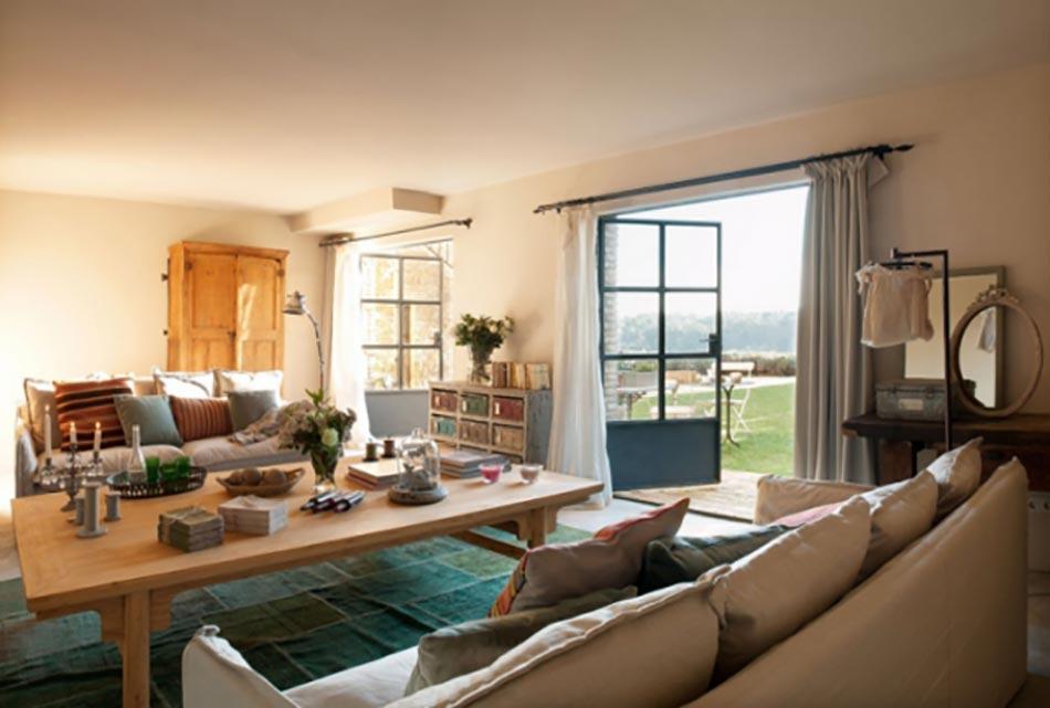 Un salon moderne baign par la lumi re naturelle design feria - Interieur salon moderne ...