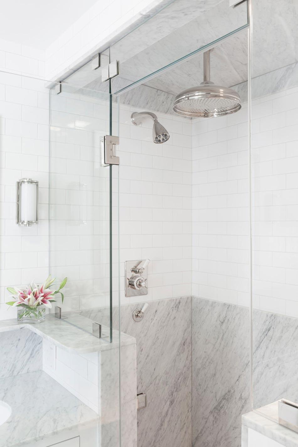 salle de bain marbre blanc pour afficher une classe. Black Bedroom Furniture Sets. Home Design Ideas