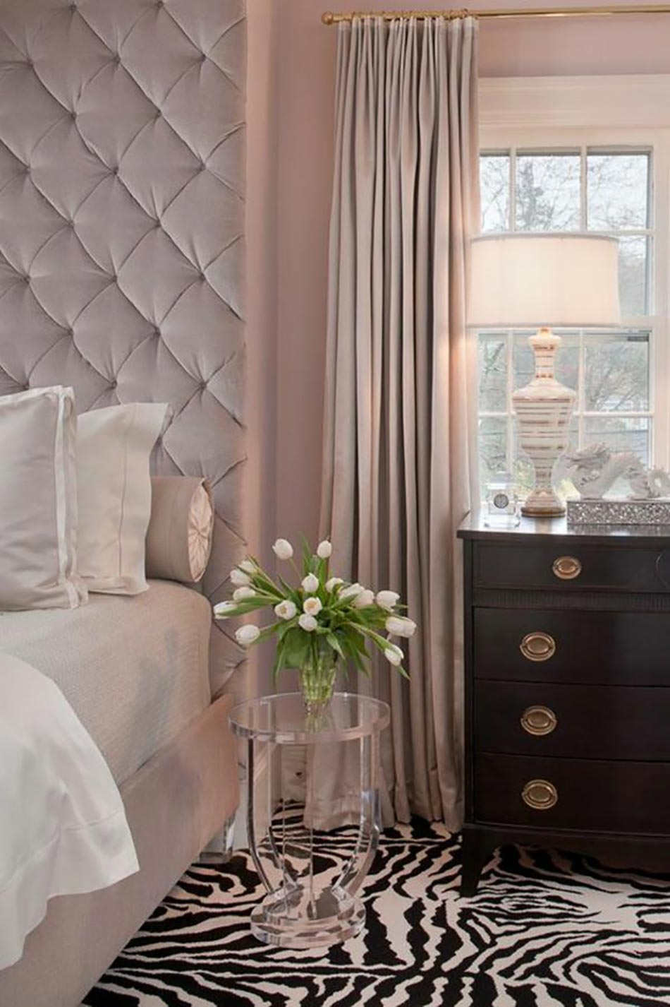 d co chambre originale aux imprim s z bre design feria. Black Bedroom Furniture Sets. Home Design Ideas