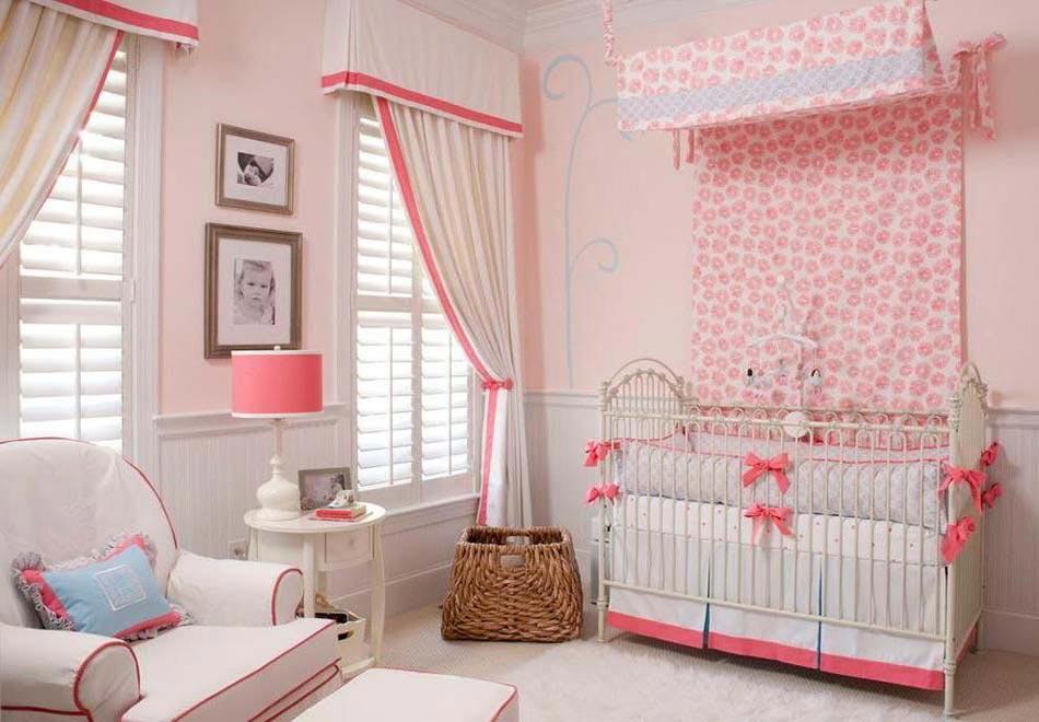 D co chambre b b le voilage et le ciel de lit magiques for Deco enfant chambre