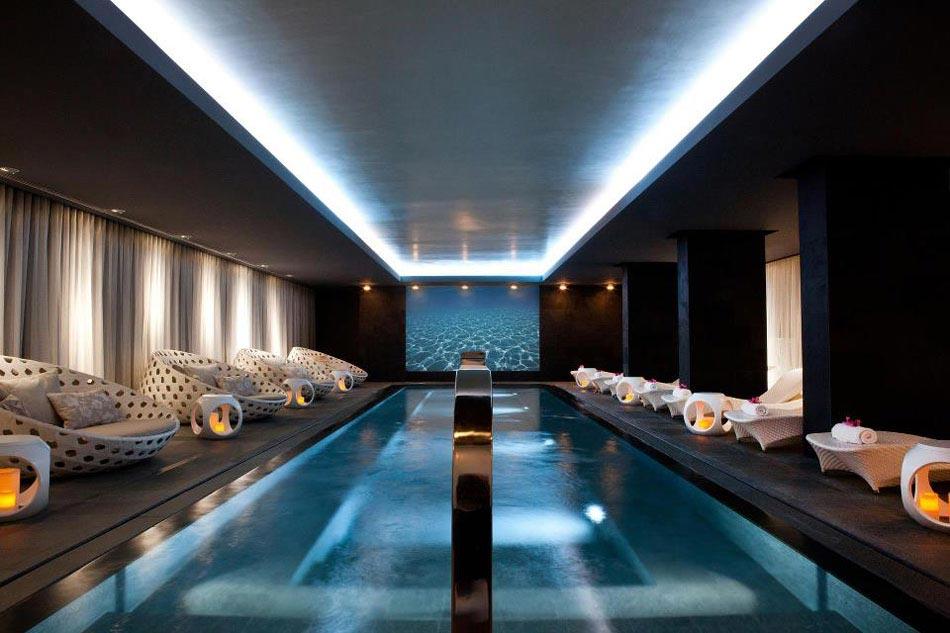 La piscine int rieure un r ve pour profiter de l eau for Piscine interieure de luxe