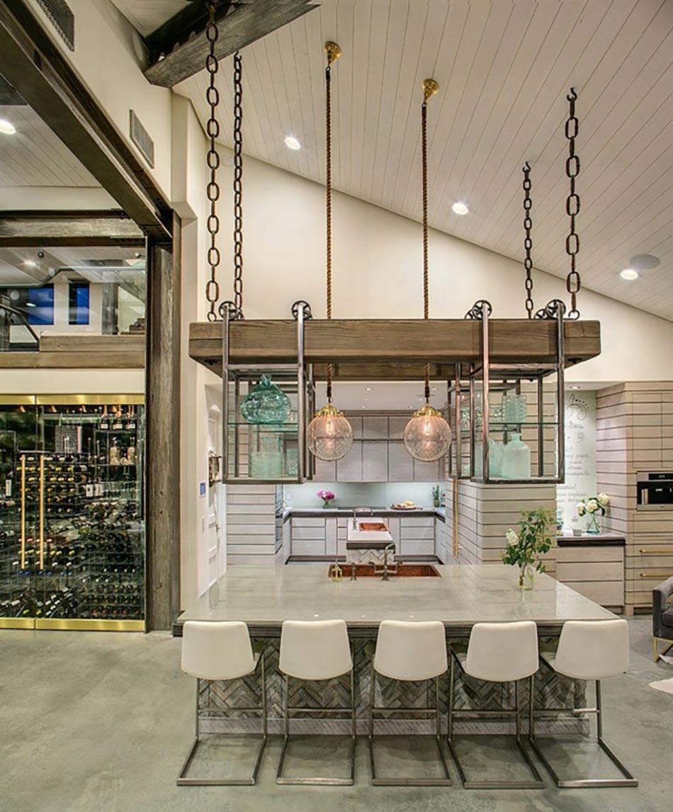 Ambiance cosy par le luminaire led dans une cuisine for Hauteur luminaire table cuisine