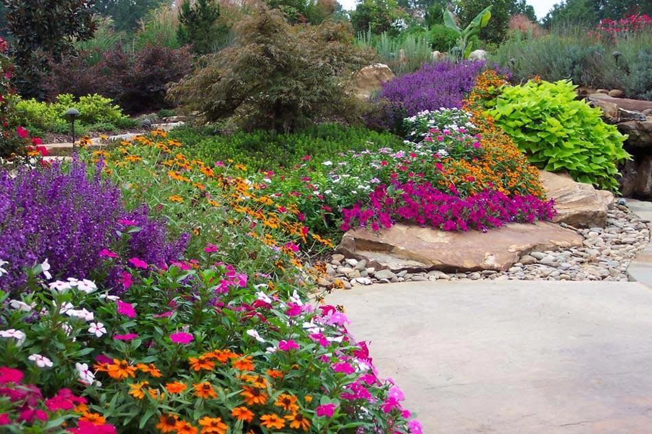 Des idées de déco jardin qui apportent de la couleur à nos espaces ...