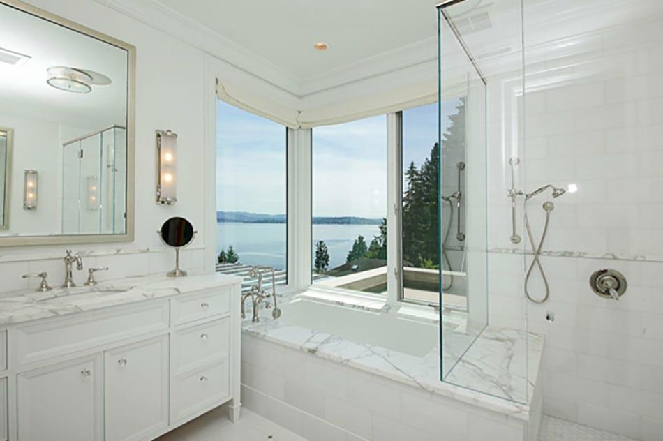 Salle de bain en marbre qui nous fait r ver design feria for Marbre pour salle de bain