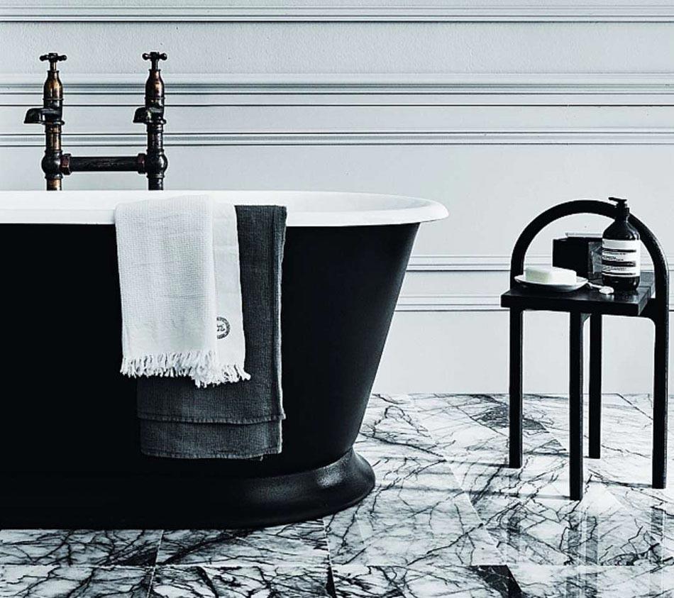 15 id es pour r aliser une salle de bain chic minimaliste for Salle de bain noir et blanc design