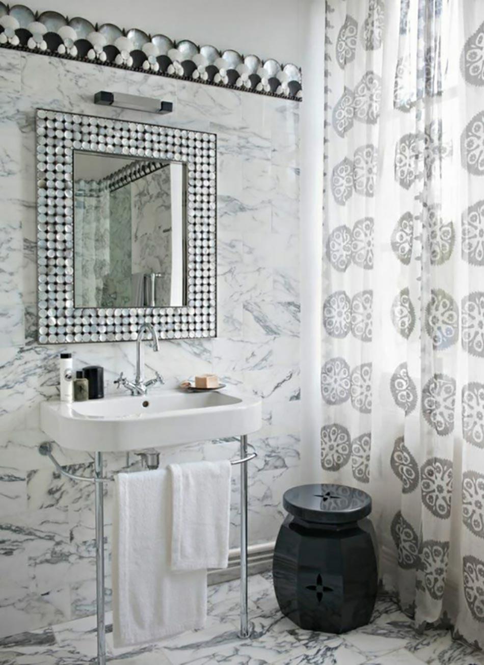 Miroir de salle de bain l encadrement design design feria for Miroir pour douche