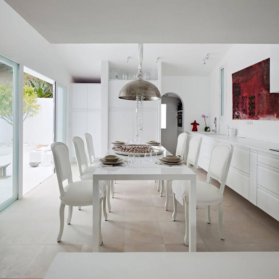 Magnifique villa de luxe sur la c te espagnole design feria for Salle a manger de luxe design