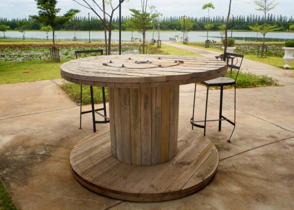 Objets recycl s pour d corer la maison de fa on tr s personnelle et originale design feria for Idee deco design