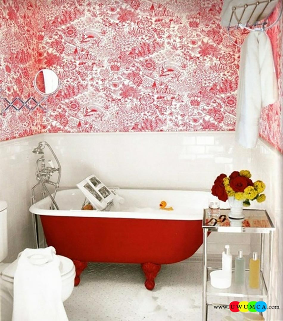 Baignoire ancienne pour une salle de bains retro design for Petites salles de bain design