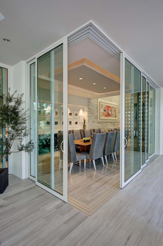 Porte de maison interieur moderne maison moderne for Modele maison vitree