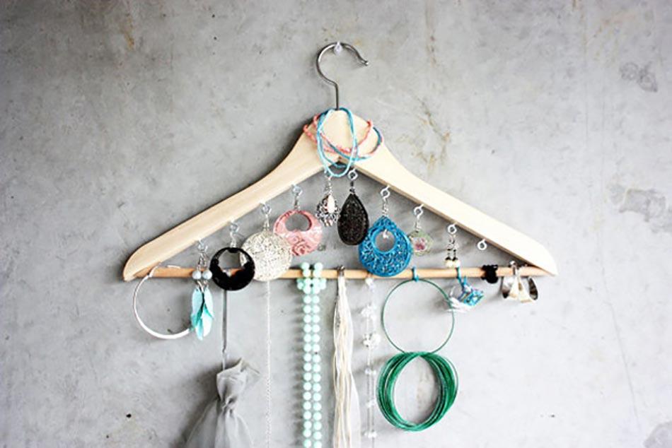 11 id es originales de rangement bijoux faire soi m me - Comment fabriquer un porte bijoux ...