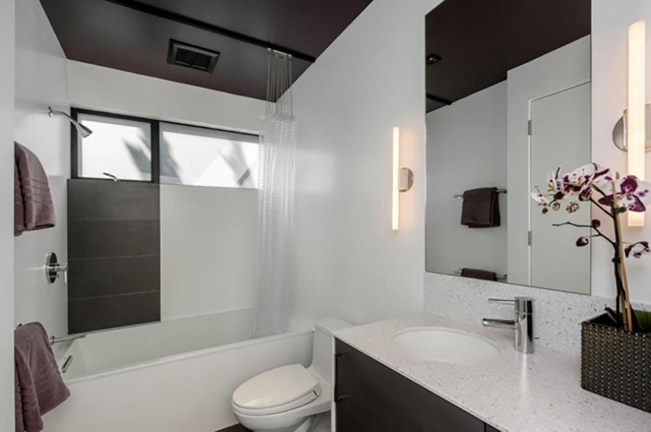 cette salle de bain dans deux tons joue la carte de loriginalit - Salle De Bain De Luxe Cabine Au Coin