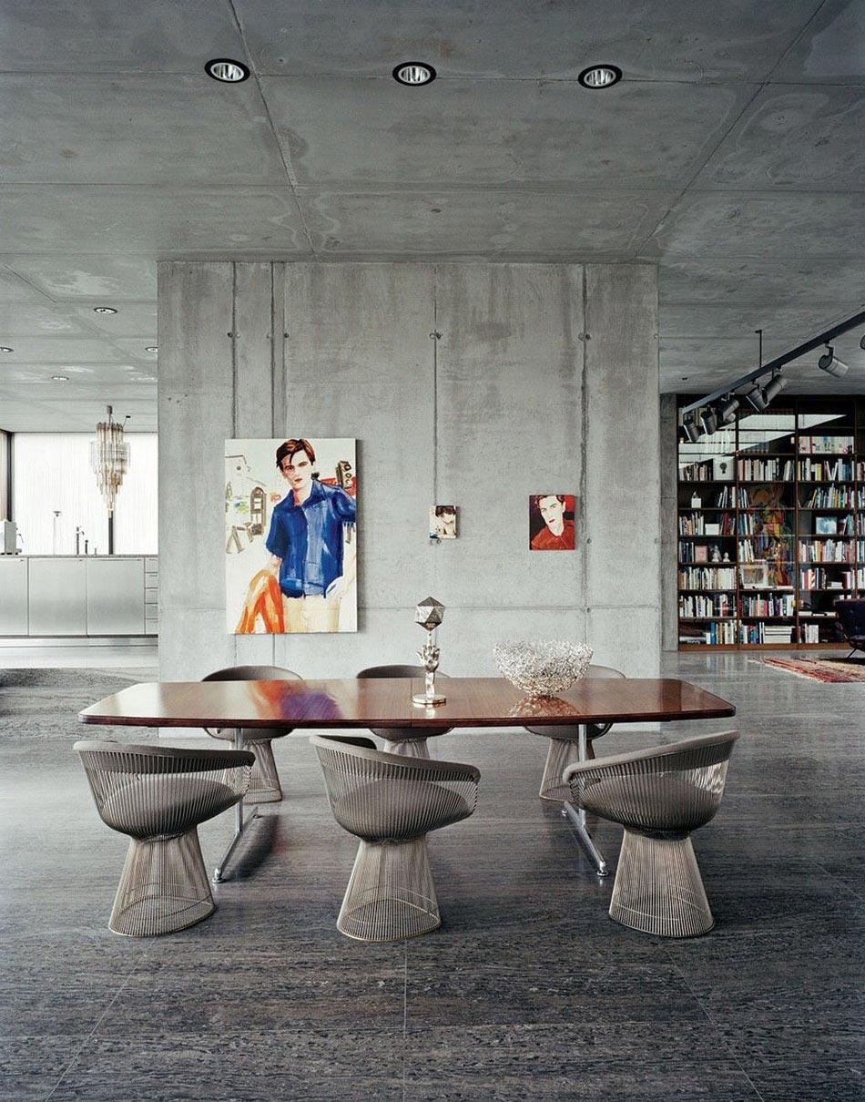 dans un loft au design industriel les chaises design en fer mtallique sinscrivent parfaitement dans le dcor - Chaises Originales Salle A Manger