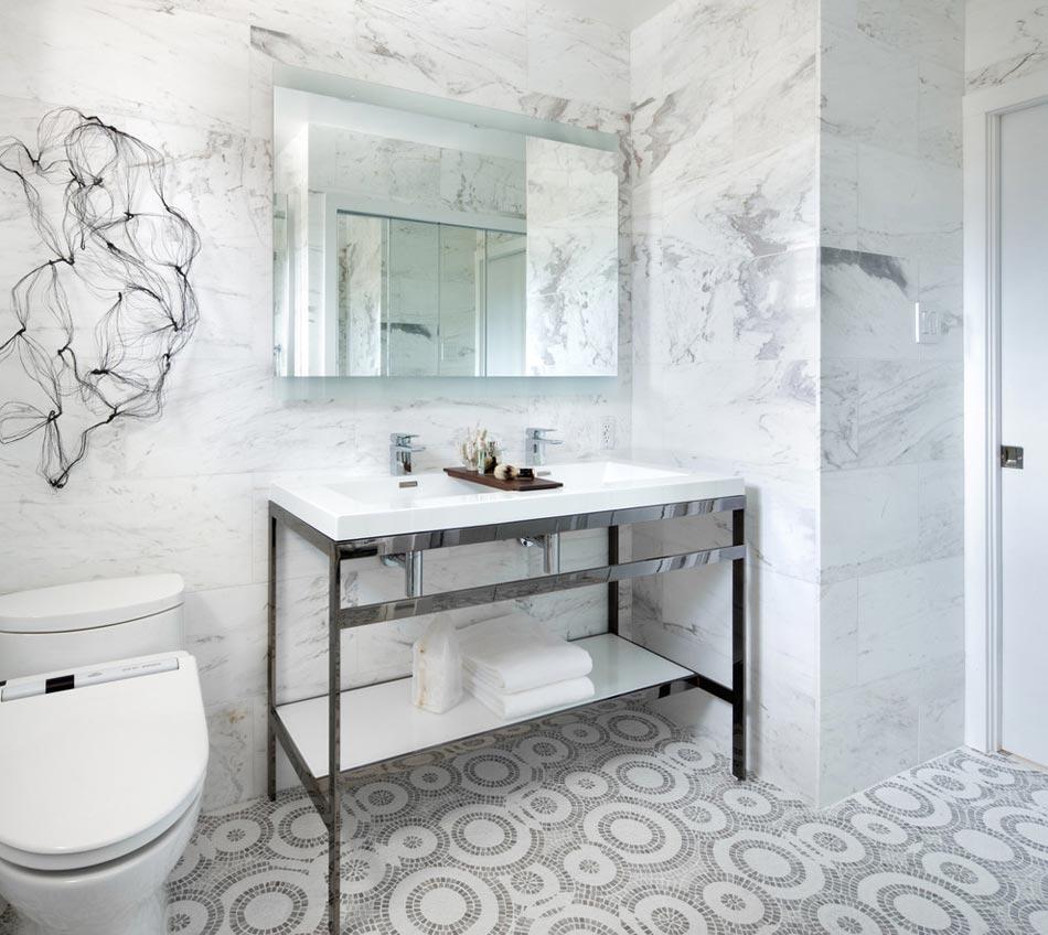 Salle de bain marbre blanc pour afficher une classe intemporelle design feria for White marble tile bathroom ideas
