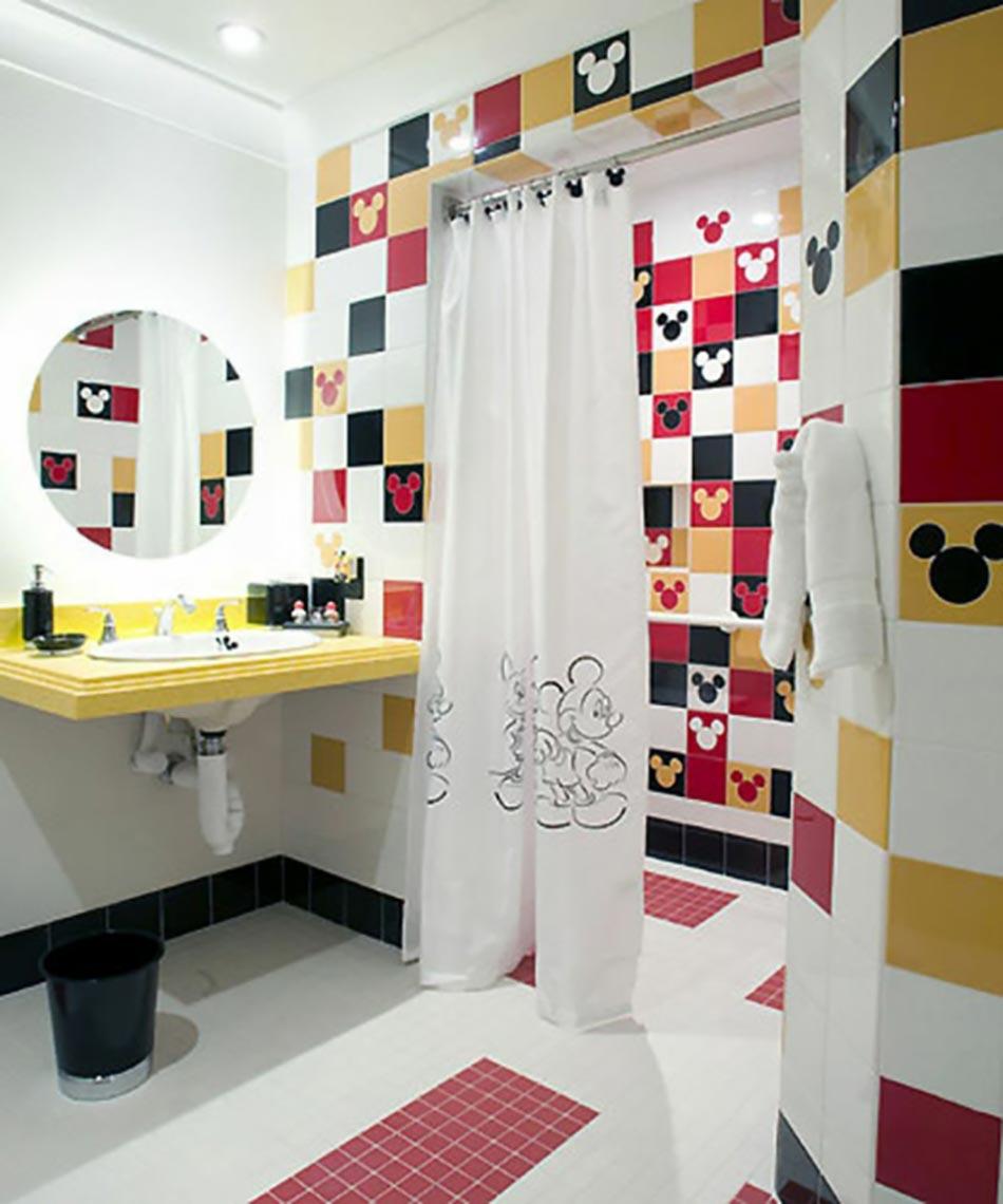 Idee Originale Inspiree Par Les Heros Disney Decoration Salle De Bain