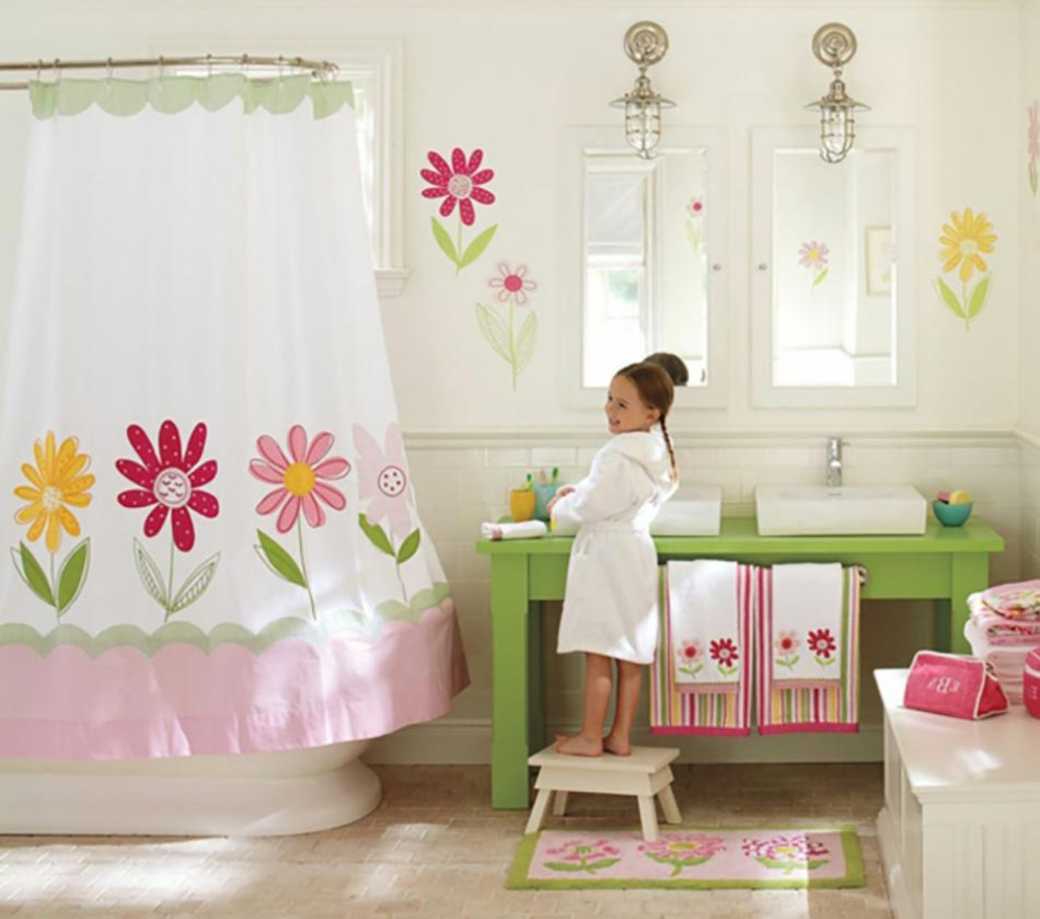 Salle de bain enfant la d coration cr ative design feria for Un gars une fille dans la salle de bain