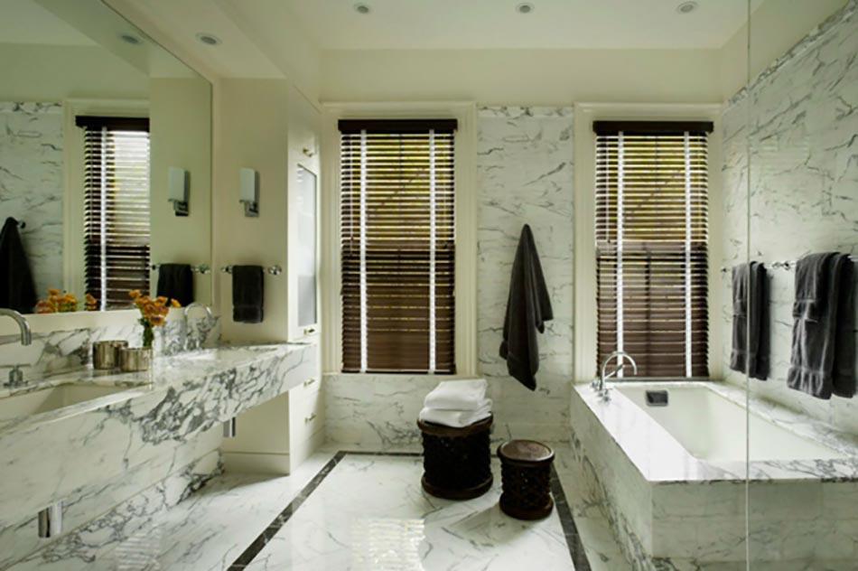 Salle de bain en marbre qui nous fait r ver design feria - Carrelage salle de bain design pas cher ...