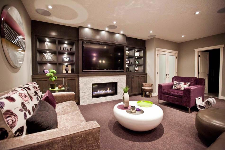 Ameublement design : télé fixée au-dessus d\'une cheminée dans le ...