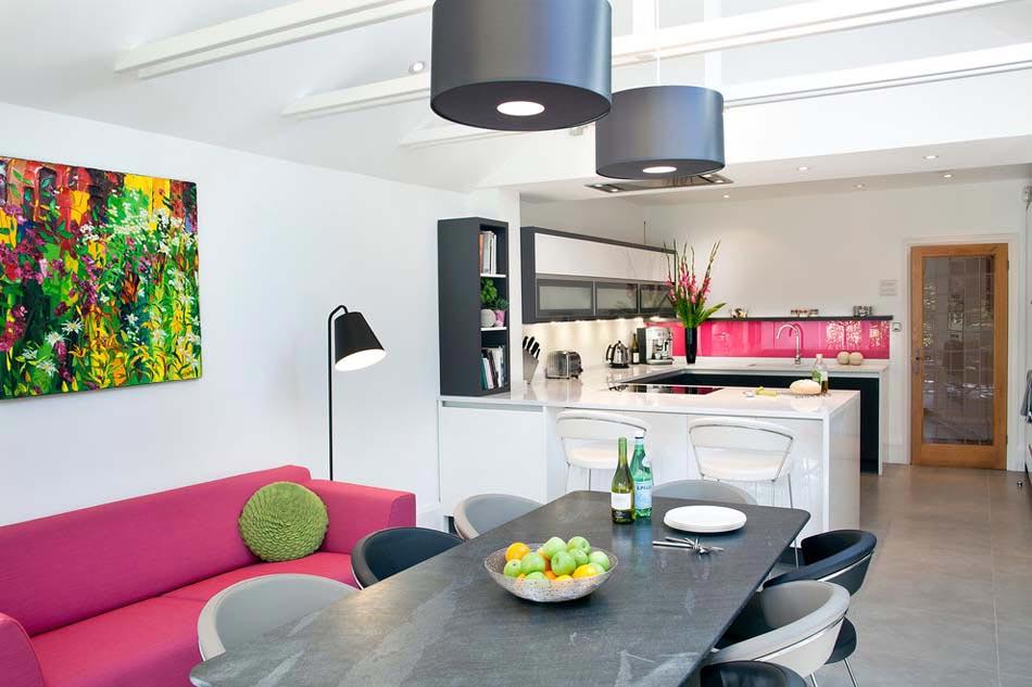 Am nager la maison une cuisine moderne au design sobre for Decoration studio moderne