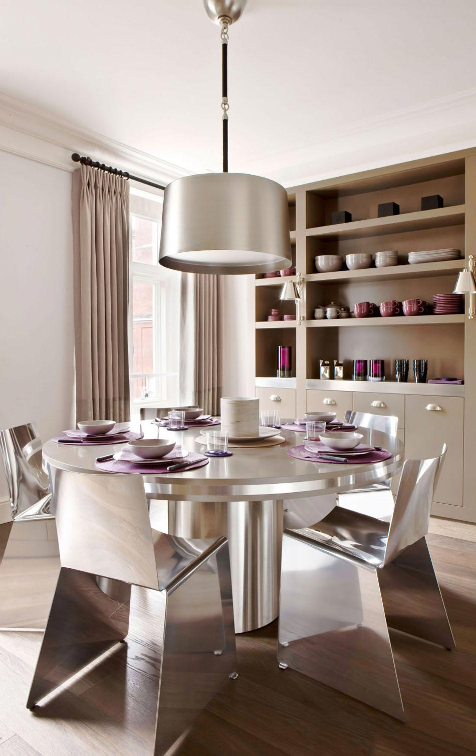Awesome table a manger moderne et chic images lalawgroup for Table a manger chaises