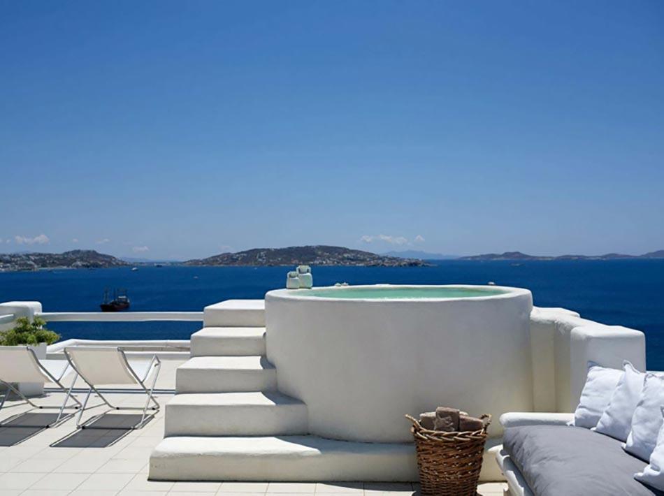 H tel spa art un conte en blanc dans le complexe for Suite avec jacuzzi et piscine privee