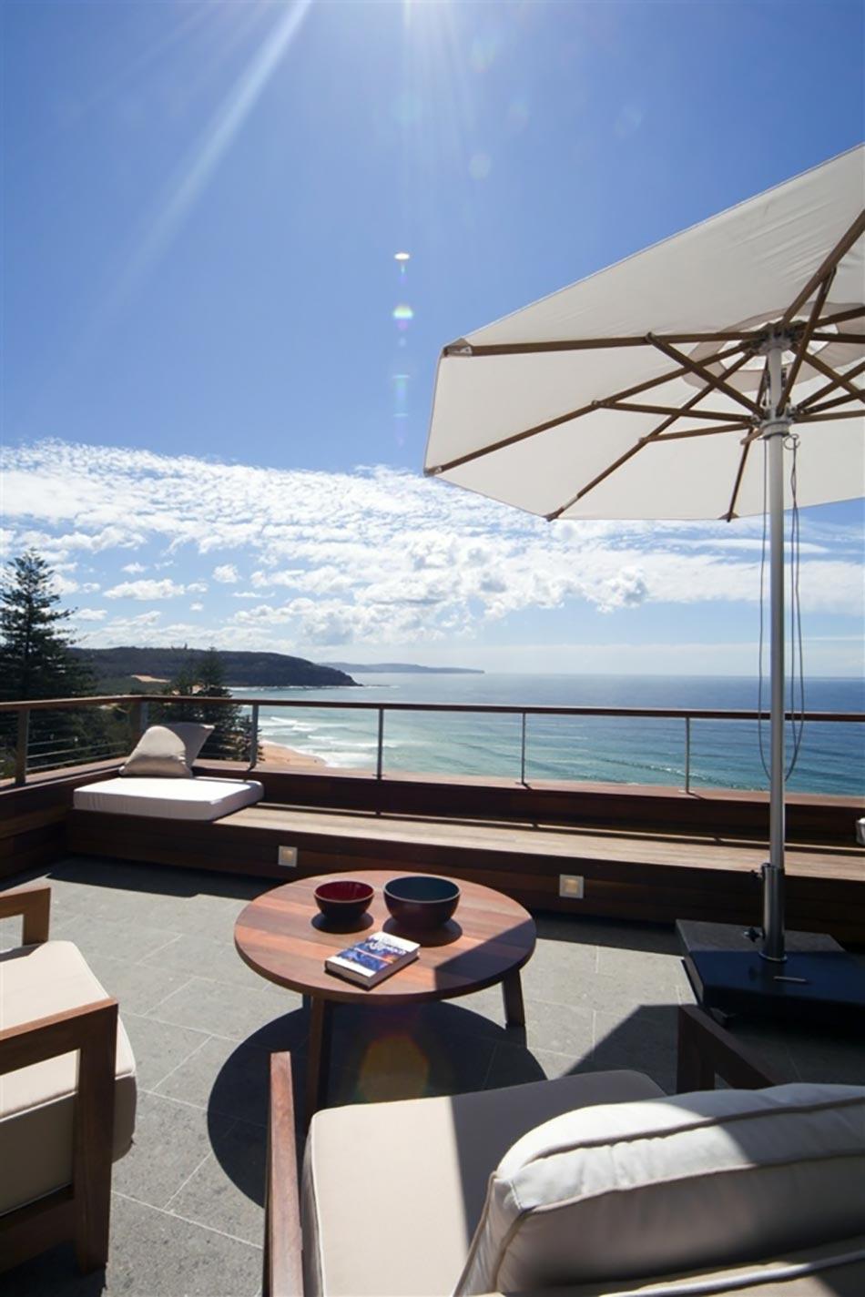 Superbe Belle Terrasse Avec Vue Panoramique Sur Lu0027eau