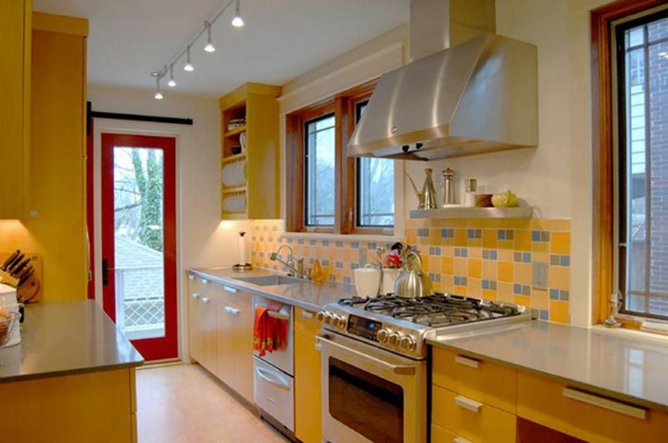Ambiance accueillante et conviviale dans une cuisine jaune design feria - Fetching images of blue and yellow kitchen design and decoration ideas ...