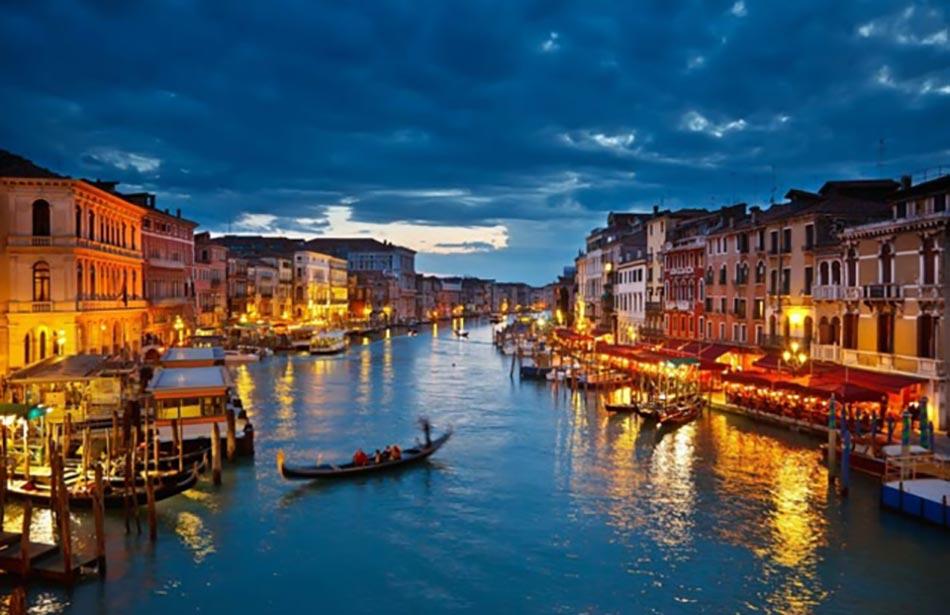 Week End Amoureux à La Place Saint Marc à Venise