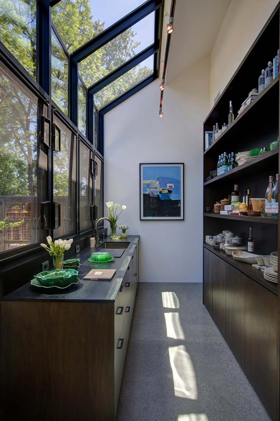 Aménager à la maison une cuisine moderne au design sobre ...