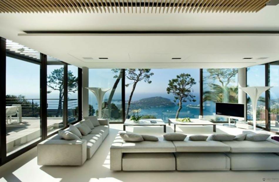 Superbe salon d'une villa sur la côte d'Azur littéralement ...
