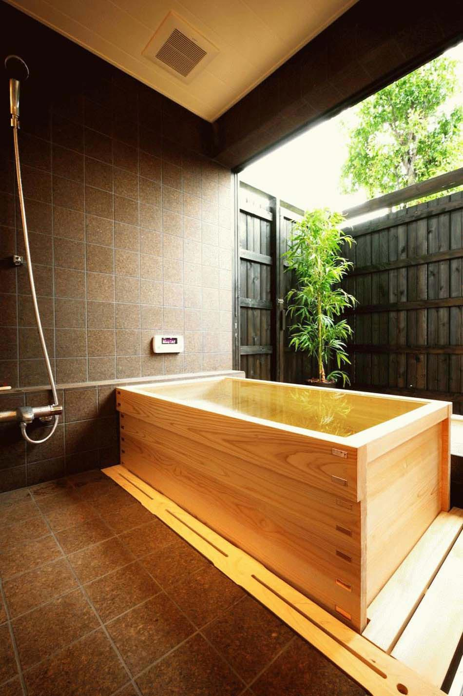 Baignoire design en bois ou les salles de bains aux for Salle de bain zen moderne