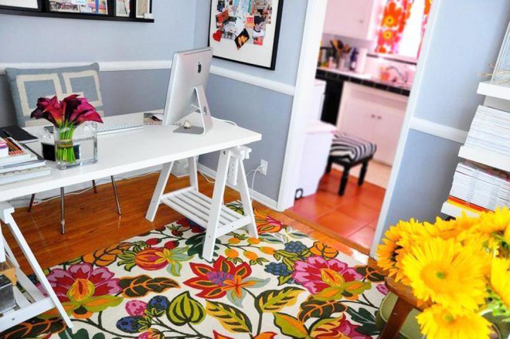 Aménagement du bureau à la maison en couleurs