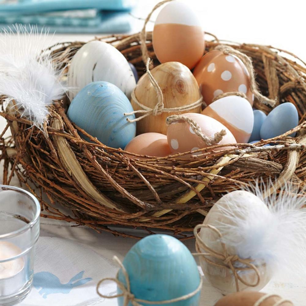 décoration de pâques œufs multicolores