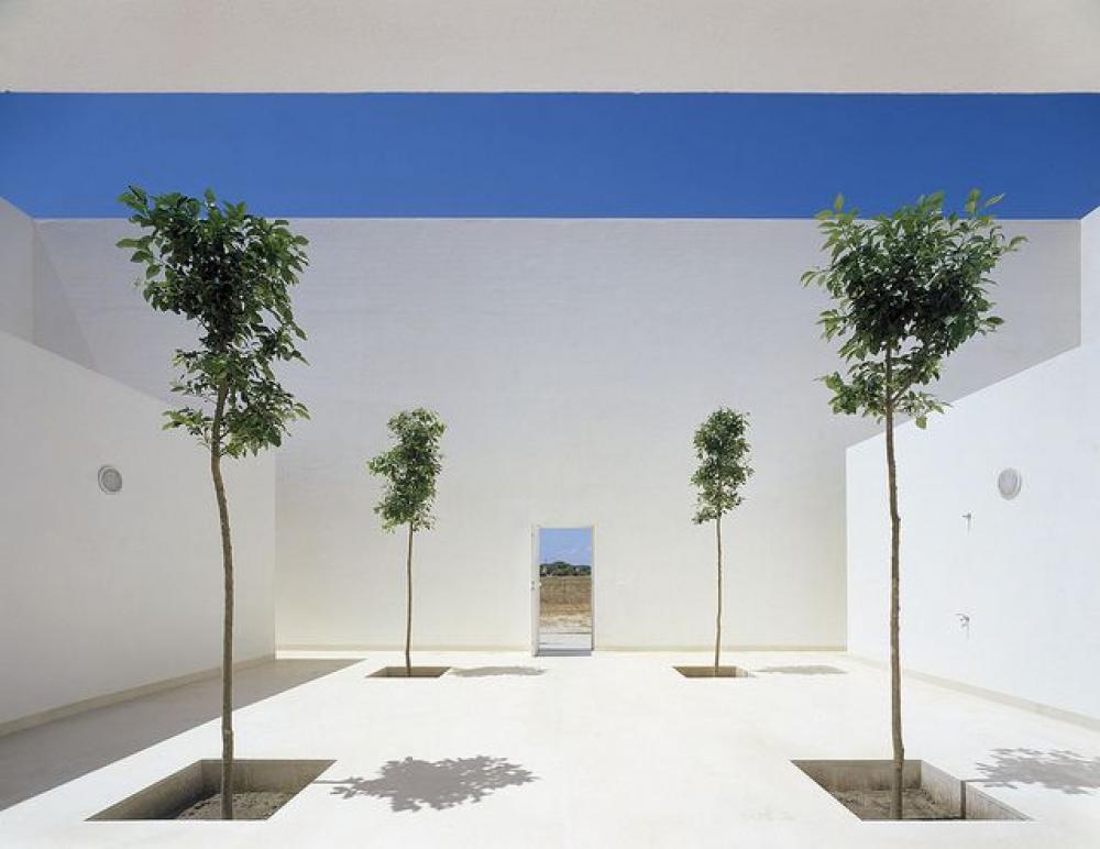 Jardin paysagiste moderne en blanc