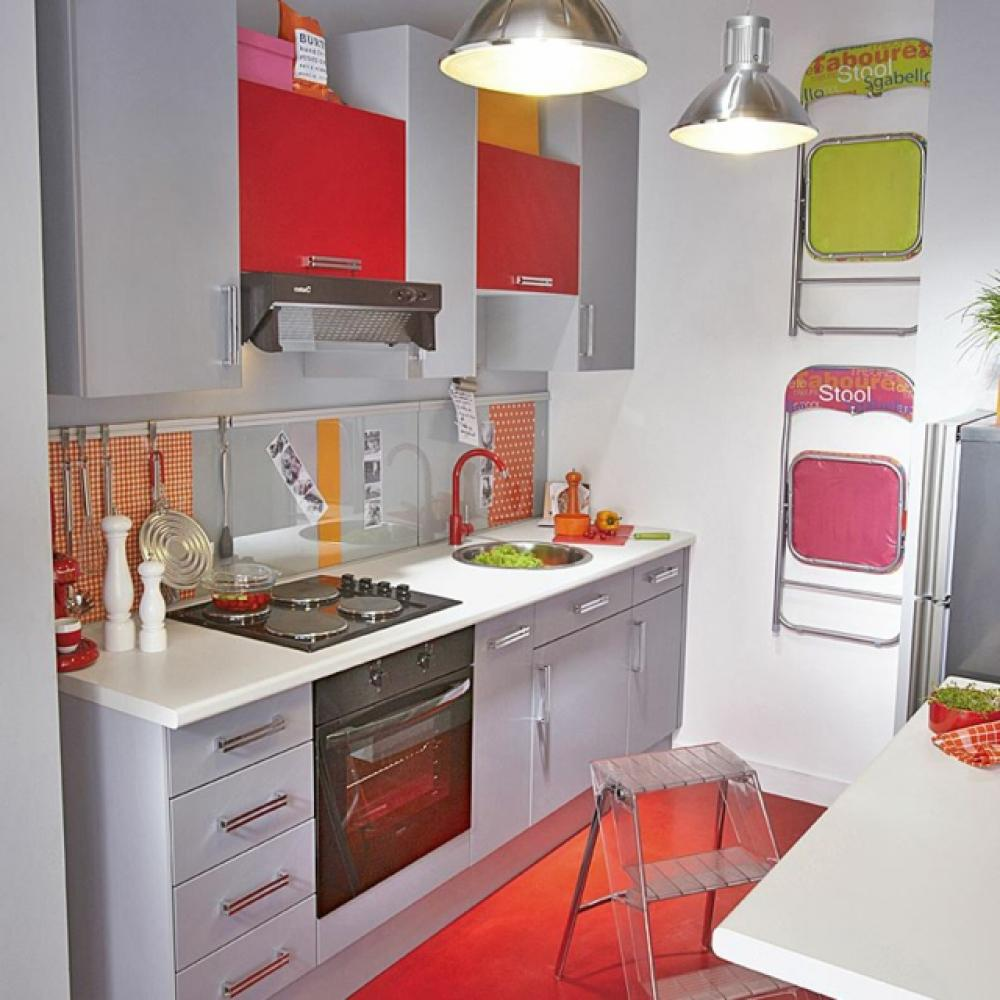La kitchenette moderne quip e et sur optimis e for Model de petite cuisine equipe