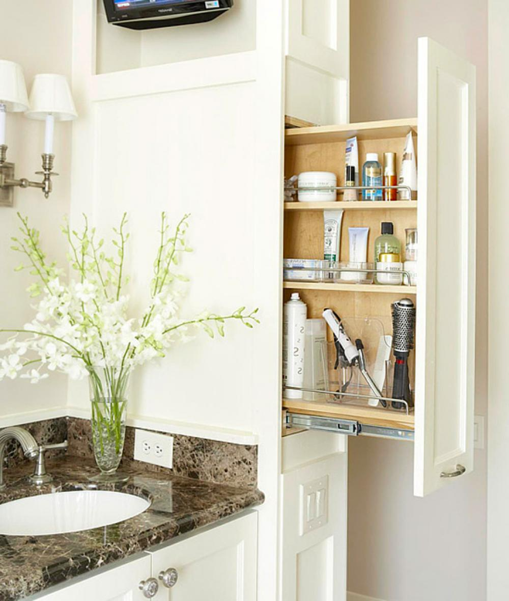Astuces int ressantes de rangement salle de bain design for Rangement produits salle de bain