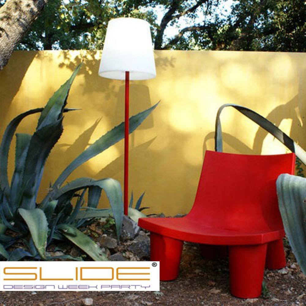 slide design lampadaire ali baba et fauteuil low lita