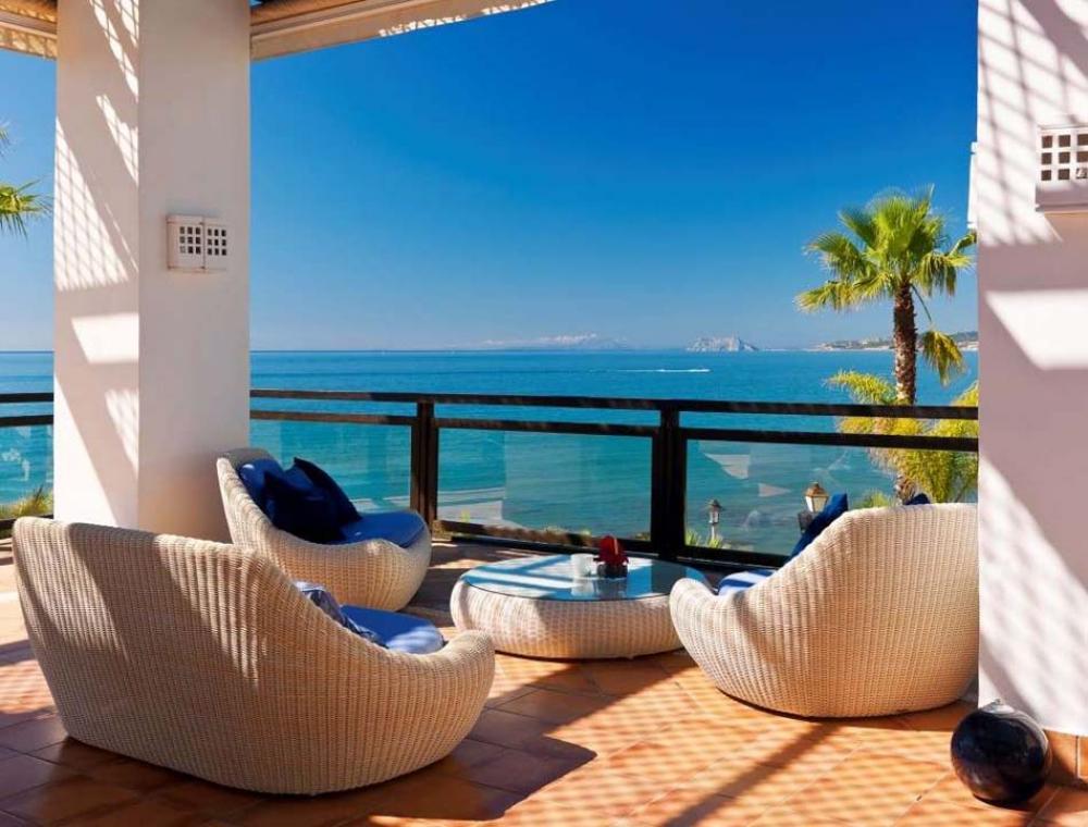 aménagement extérieur balcon terrasse moderne