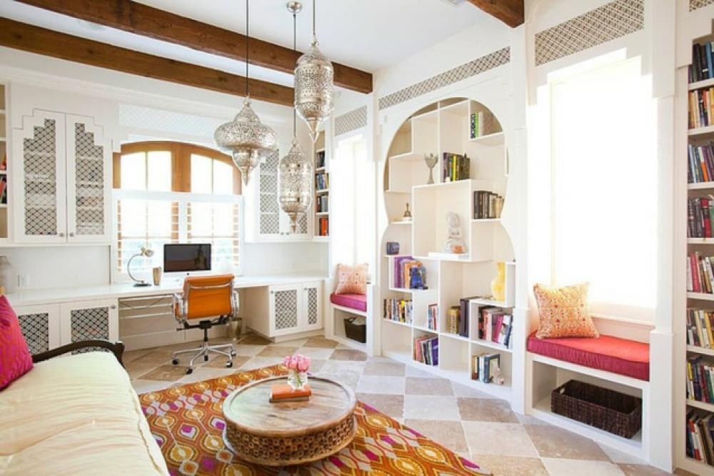 Intérieur déco contemporain aux touches orientales. salon moderne décoré à lorientale