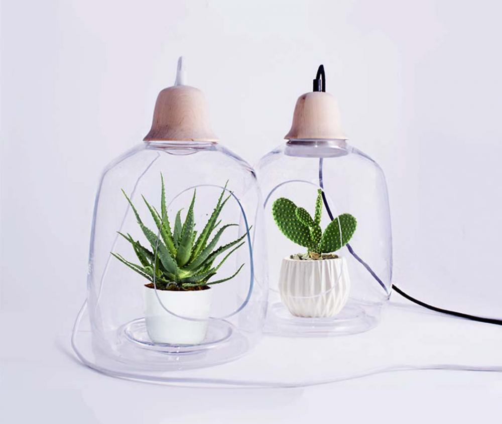 Lampes design cr atif au double r le rendre les plantes for Lampe deco interieur