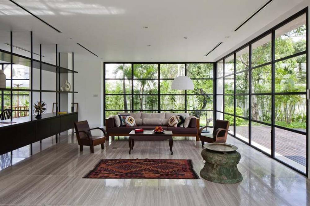 Belle maison rénovée au design intérieur moderne et si minimaliste