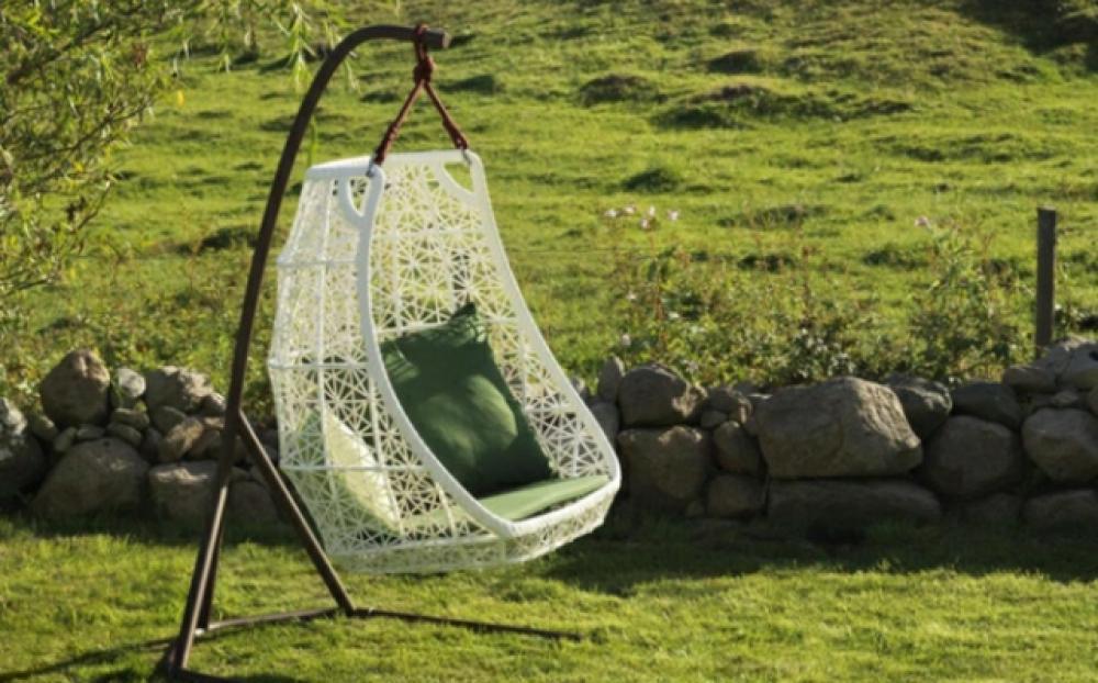 mobilier de jardin design original par patricia urquiola. Black Bedroom Furniture Sets. Home Design Ideas