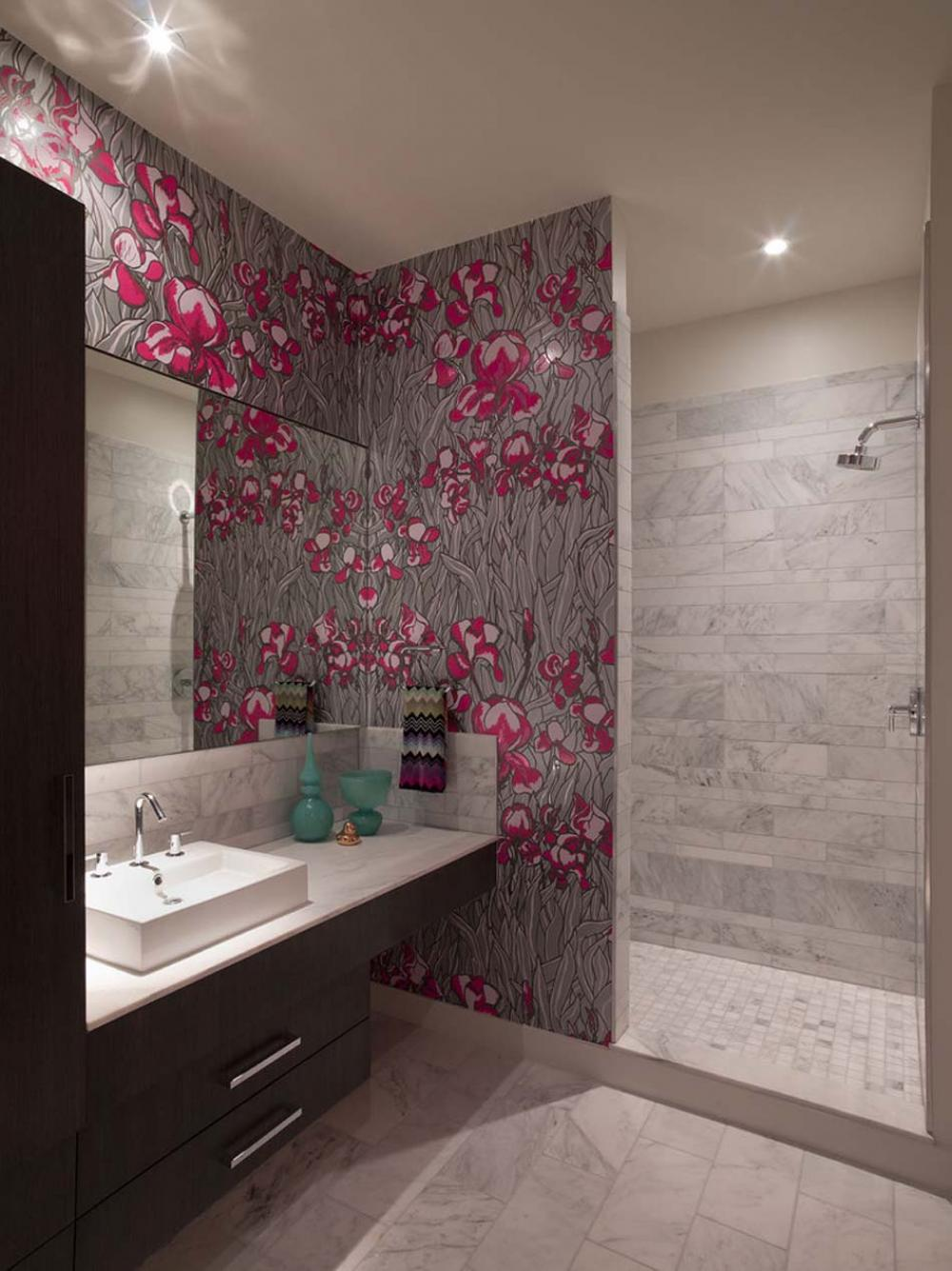 papier peint salle de bain offrant la possibilit 233 de 21 unusual bathroom designs with wallpapers on walls