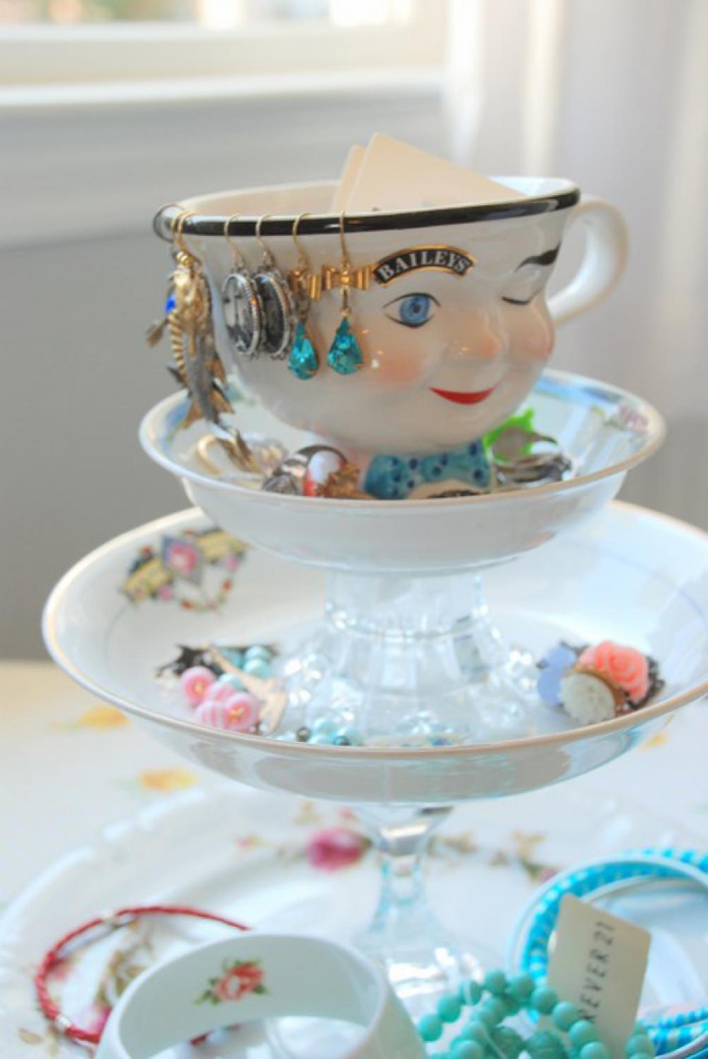 rangement bijoux boite salle de bain
