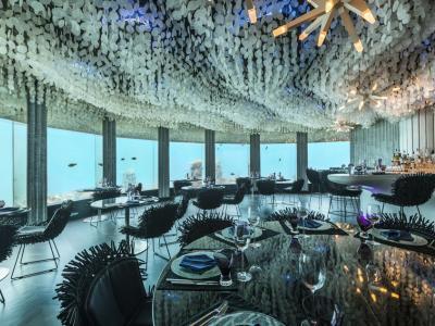 Cadre unique restaurant original sous la mer