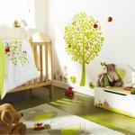 décoration en stickers muraux spécial chambre de bébé